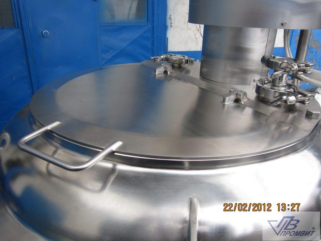 250-l-reaktor-kryshka
