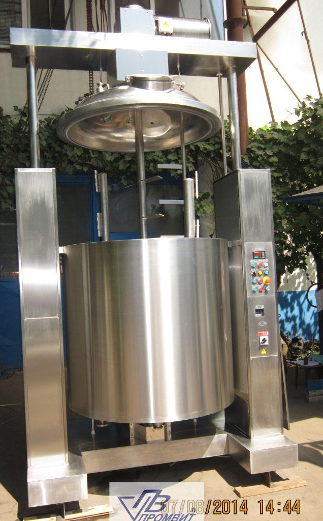 1000-l-podem-kryshki-reaktora